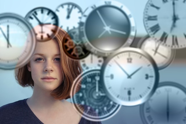 woman-with-clocks