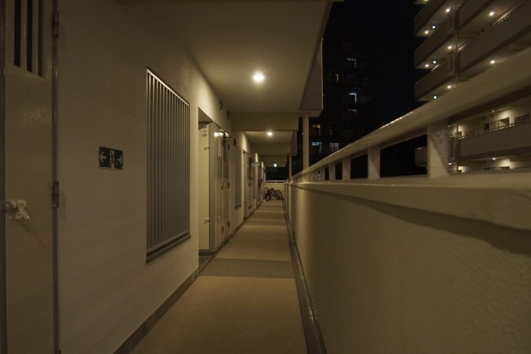 apartment-aisle